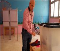 والد أصغر شهداء الواحات: شاركت في الاستفتاء دعما للاستقرار