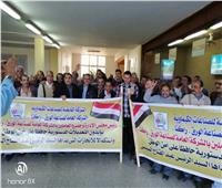 صور| عمال القابضة للصناعات الكيماوية يشاركون في استفتاء الدستور