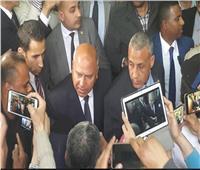 بعد شكوى من غلق نفق سيدي جابر.. الوزير للشاكي: «قابلني هنا بعد أسبوع»