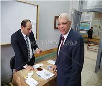 نائب رئيس جامعة المنوفية يدلي بصوته في الاستفتاء