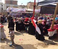 زحام شديد أمام لجان دار السلام والسيدات تتصدر المشهد بالزغاريد