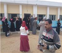 قرية شيخ الأزهر الأسبق تخرج عن بكرة أبيها للاستفتاء