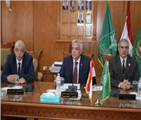 رئيس جامعة المنوفية يعقد الجلسة الشهرية للجنة المختبرات والأجهزة العلمية