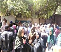 زغاريد أمام لجان الاستفتاء بالشيخ زايد