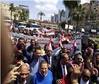 رئيس الاتحاد المحلي لعمال الإسكندرية يقود مسيرة تجوب شوارع المحافظة
