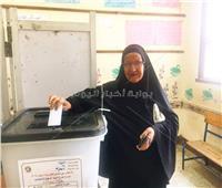 التعديلات الدستورية 2019| عجوز: «صورني لوحدي أنا جاية عشان السيسي»