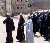 صور| مشايخ أسيوط يقودون مسيرةللمشاركة في الاستفتاء