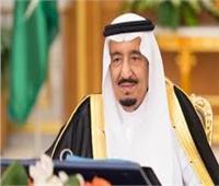 خادم الحرمين يبحث التطورات في أسواق النفط