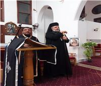 الأنبا توماس عدلي يحتفل بالبصخة المُقدّسة في كنيسة ق. بولس بالفيّوم