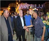 محافظ جنوب سيناء يكرم عمال النظافة بشرم الشيخ