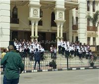 «الكورال» يستقبل المهنئين بعيد القيامة في الكاتدرائية المرقسية بالعباسية
