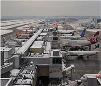 صحيفة بريطانية:  دوي انفجارات في موقع صناعي بالقرب من مطار هيثرو