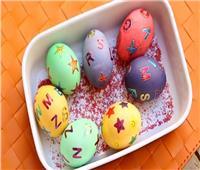 تقاليع| «بأوراق المناديل والبلونات».. طرق جديدة لتلوين البيض في شم النسيم