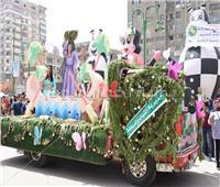 محافظ الشرقية يشهد مسيرة للسيارات المزينة بالزهور في الزقازيق