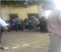 محافظ أسيوط: الكشف على 1040 من أهالي أبوكريم خلال قافلة طبية شاملة