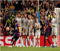 فيديو| ميسي يسجل هدفا رائعا لبرشلونة في ليفربول