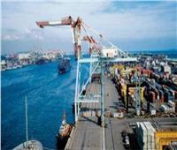 تداول 432 شاحنة بضائع عامة بموانئ البحر الأحمر