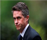 «تصفية حسابات وأنقذتها أكثر من مرة».. وزير الدفاع البريطاني المُقال يهاجم «ماي»