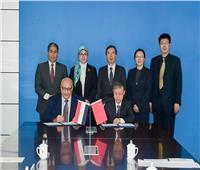 بالصور| توقيع مذكرة تفاهم بين جامعتي عين شمس و بكين للمواصلات