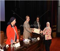 صور|جامعة القاهرة تكرم مجموعة جديدة من أعضاء التدريس المنشورة أبحاثهم دوليا