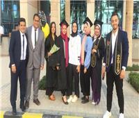 طلاب إعلام يروجون للسياحة المصرية بـ«فارماكا»