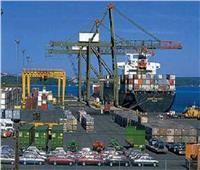 تداول 450 شاحنة بضائع بموانئ البحر الأحمر