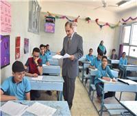 محافظ أسيوط يتفقد بعض لجان امتحانات الشهادة الإعدادية