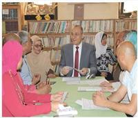 مدير «تعليم القاهرة» يتفقد غرفة العمليات المركزية والمطبعة السرية