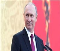 بوتين يستقبل وزير خارجية الصين في سوتشي