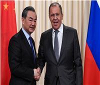 لافروف يبحث مع نظيره الصيني التسوية السورية والاتفاق النووي الإيراني
