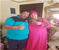 عبد الباسط حمودة ينشر صورته مع زوجته.. ويعلق: مراتي حبيبتي