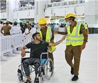 «خدمات إنسانية» يقدمها الأمن السعودي لقاصدي بيت الله الحرام