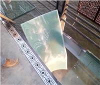 «قبل هري السوشيال ميديا».. تعرف على حقيقة لوح الزجاج المكسور بمحور روض الفرج