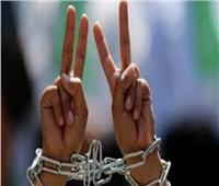 توتر بمعتقل «عسقلان» عقب قرار إسرائيلي بنقل ممثل الأسرى الفلسطينيين تعسفيًا