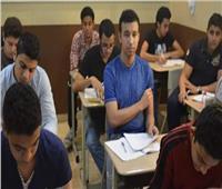 طلاب الدبلومات الفنية: امتحان الفيزياء صعب