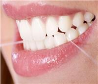 استشاري: «الخيط» أفضل وسيلة لتنظيف فراغات الأسنان