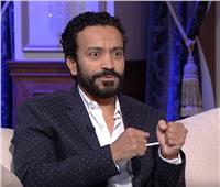 فيديو| تفاصيل مشهد حول سامح حسين من التراجيدي إلى الكوميديا