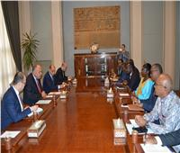 شكري يستقبل وفد مفوضية الاتحاد الأفريقي المعني باتفاقية التجارة الحرة