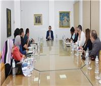«أحمد عبد العزيز» يجتمع بأعضاء اللجنة العليا للمهرجان القومي للمسرح المصري