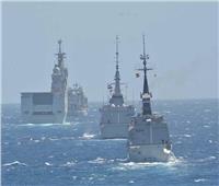 القوات البحرية المصرية والفرنسية تنفذان تدريبا بحريا عابرا بنطاق البحر المتوسط