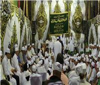 فيديو| زوار الحسين يندمجون بحلقات ذكر وإنشاد للجازولية الحسينية الشاذلية