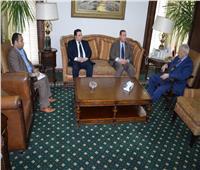 رئيس الأعلى للإعلام يلتقي السفير الفلسطيني