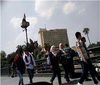 صور| كوبري قصر النيل.. «بلكونة» المصريين في الصيف