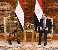 بالصور.. «السيسي» يستقبل رئيس المجلس العسكري الانتقالي بالسودان