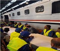 غسل ألف عربة قطار و10 جرارات  وإلغاء الإجازات.. «السكة الحديد» تستعد للعيد
