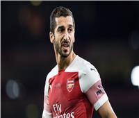 حارس أرسنال ينتقد «يويفا» بسبب غياب مخيتريان عن نهائي الدوري الأوروبي