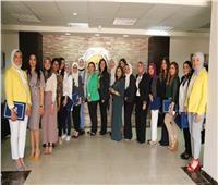 مايا مرسي تستقبل فتيات مصر المشاركة في الدورة التأسيسية لبناء المرأة العربية