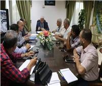محافظ جنوب سيناء يبحث تطوير السوق التجاري القديم