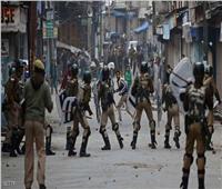 مقتل شخص وإصابة عشرات بعد إطلاق قوات هندية النار خلال احتجاجات في كشمير