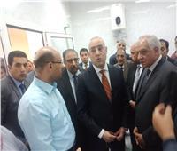صور| وزير الإسكان ومحافظ الجيزة يفتتحان محطة مياه الحوامدية